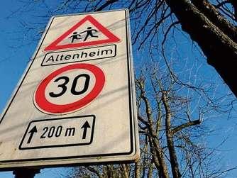 Schilder r tsel in offenbach gel ftet die verkehrswacht for Ui offenbach