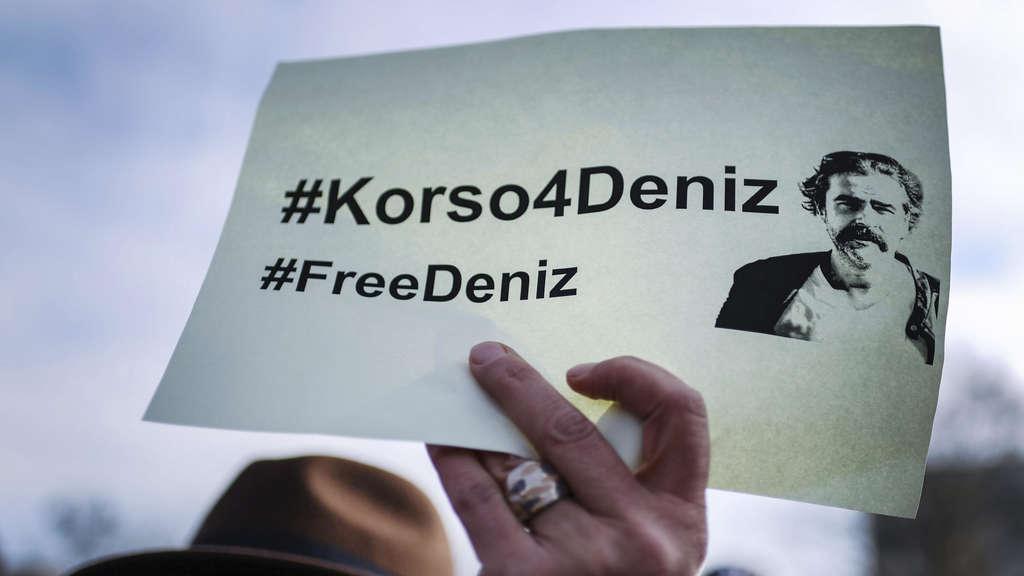 Deniz Yücel heiratet seine Freundin in türkischem Gefängnis