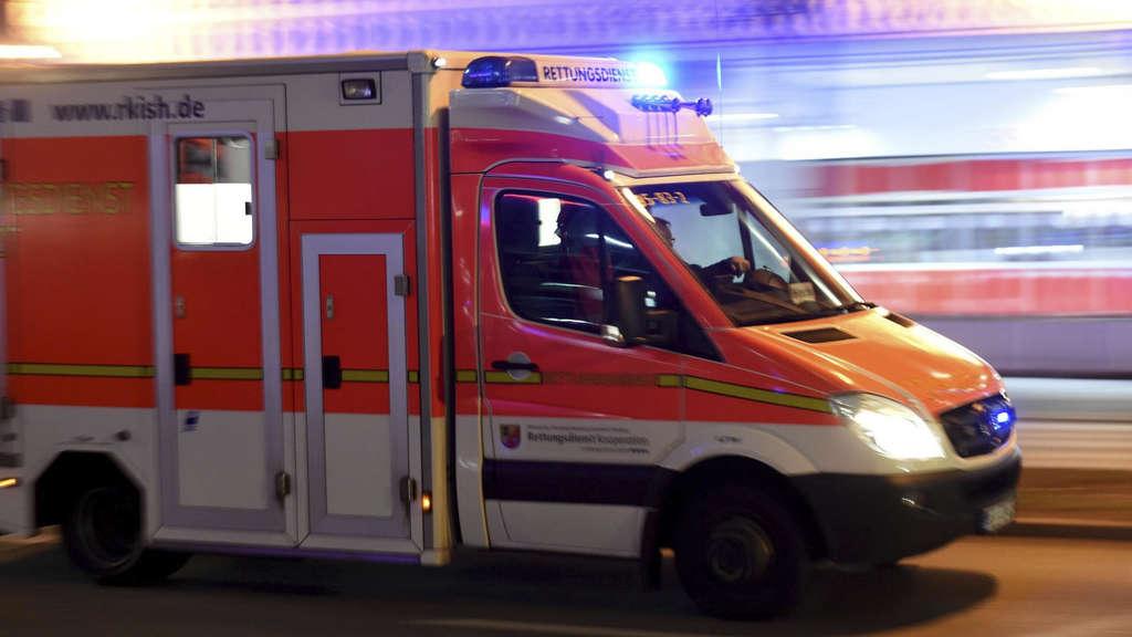 Unfälle - Frankfurt am Main - Mann von S-Bahn erfasst: Station Taunusanlage dicht