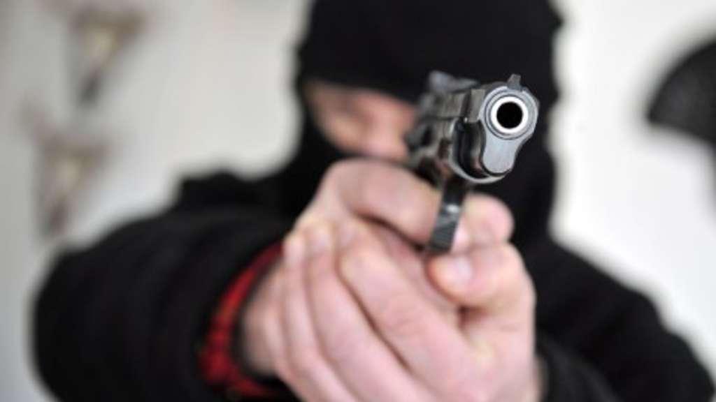 15-jähriger Tatverdächtiger nach versuchtem Raub auf Kiosk in Frankfurt gefasst