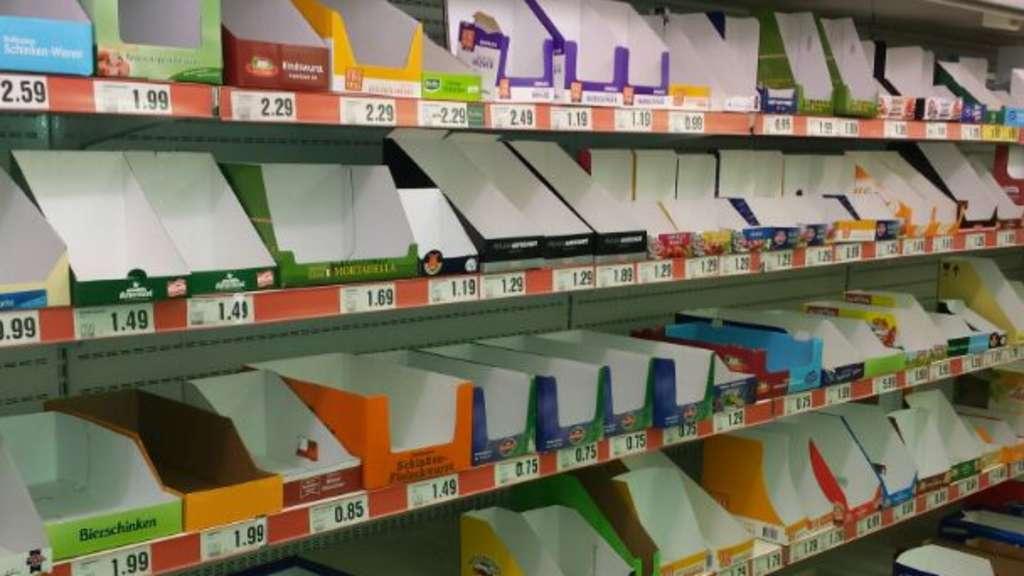 Regale Frankfurt leere regale engpass in frankfurter supermarkt netto in frankfurt