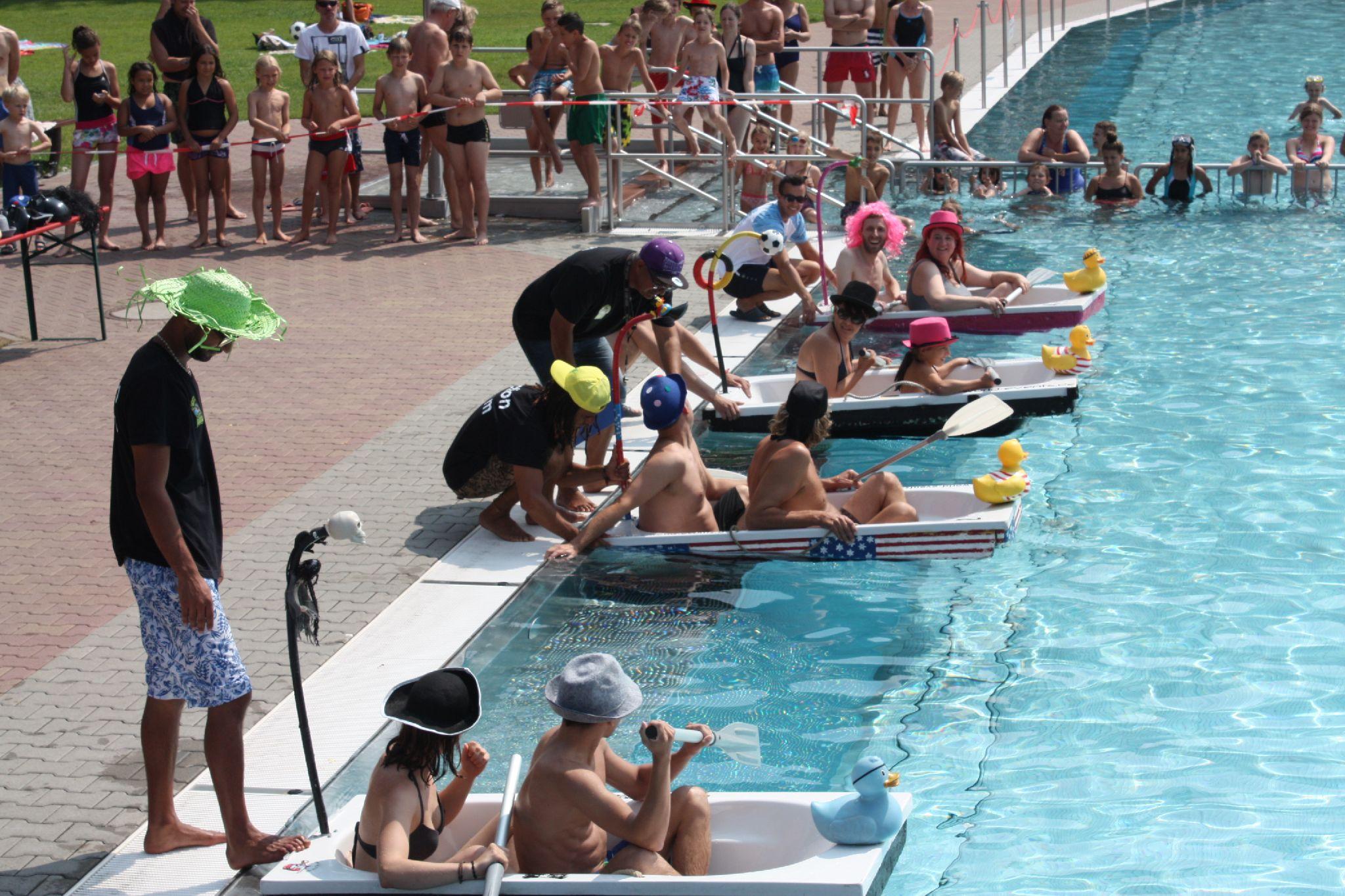 schwimmbadsaison startet alle ffnungszeiten der saison hessen. Black Bedroom Furniture Sets. Home Design Ideas