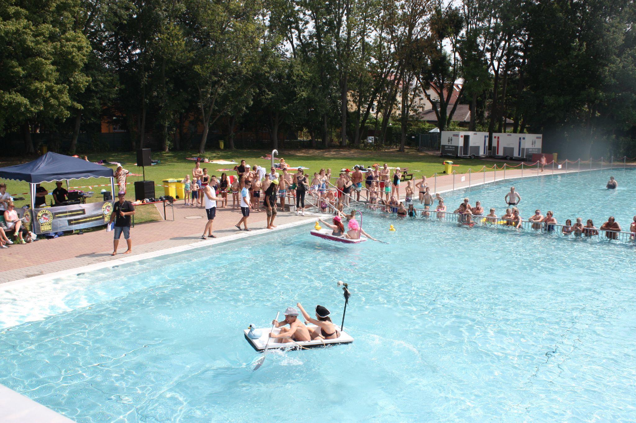 Schwimmbadsaison startet alle ffnungszeiten der saison for Eschersheimer schwimmbad