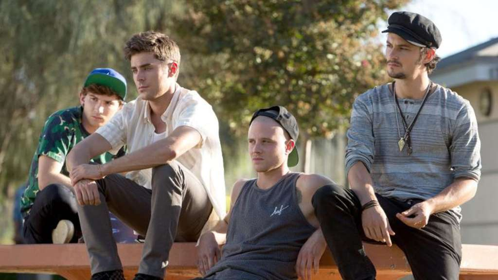 "Electro-DJ Cole (Zac Efron, 2.v.l) mit seiner Clique in ""We Are Your Friends"". Foto: StudioCanal"