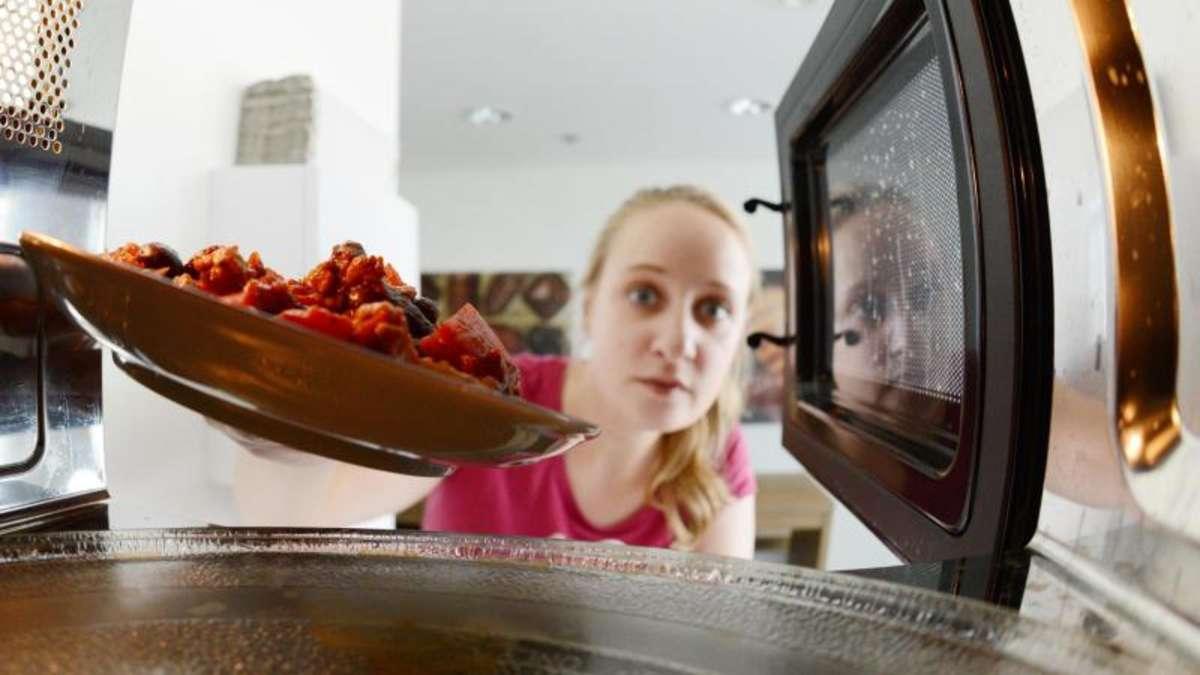 wie ungesund ist essen aus der mikrowelle wirklich. Black Bedroom Furniture Sets. Home Design Ideas
