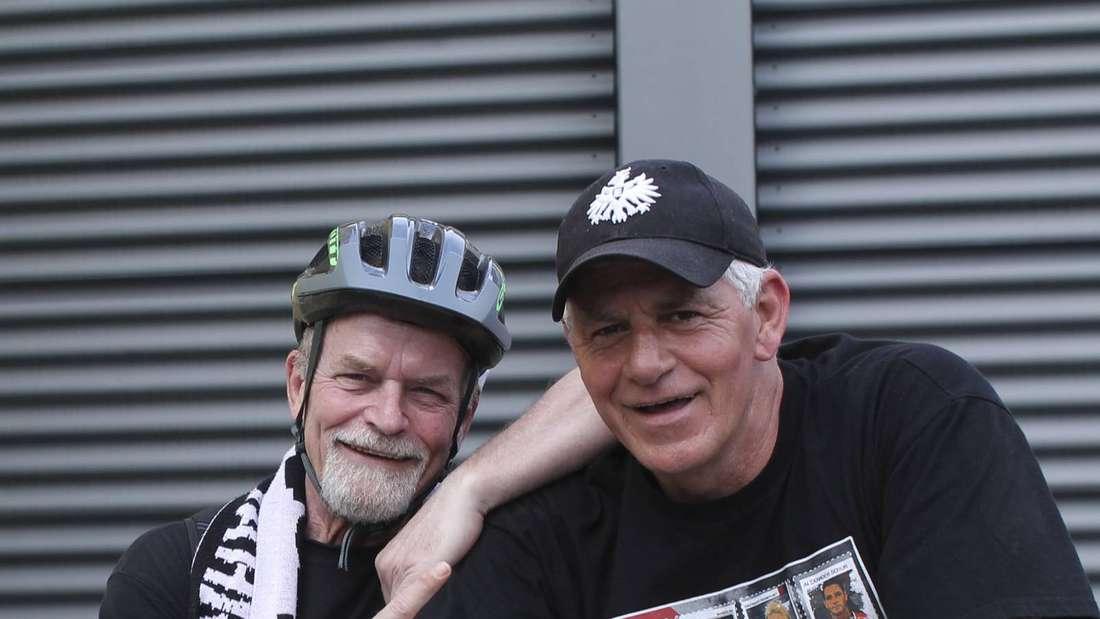 Freuen sich schon auf ihre Radtour zum Endspiel: Bernhard Merk (links) und Mick Delacoe.