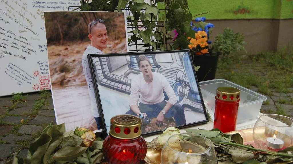 gro e trauer um graffiti star markus janista freunde richten kondolenzwand ein hessen. Black Bedroom Furniture Sets. Home Design Ideas