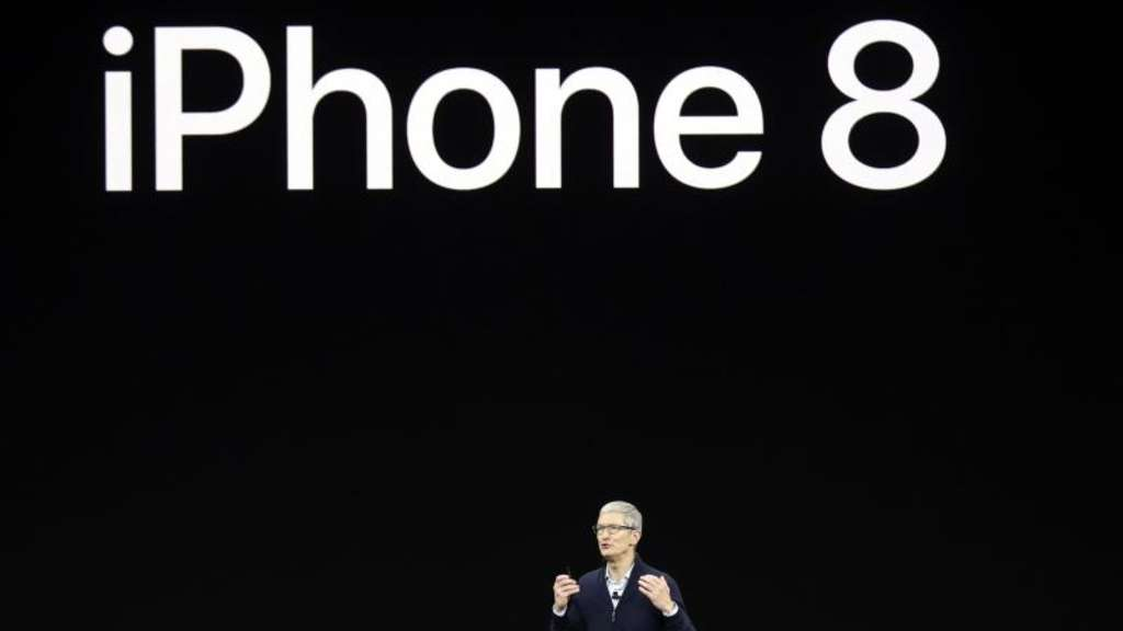 Apple-Chef Tim Cook präsentiert am 12. September 2017 in Cupertino das iPhone 8.