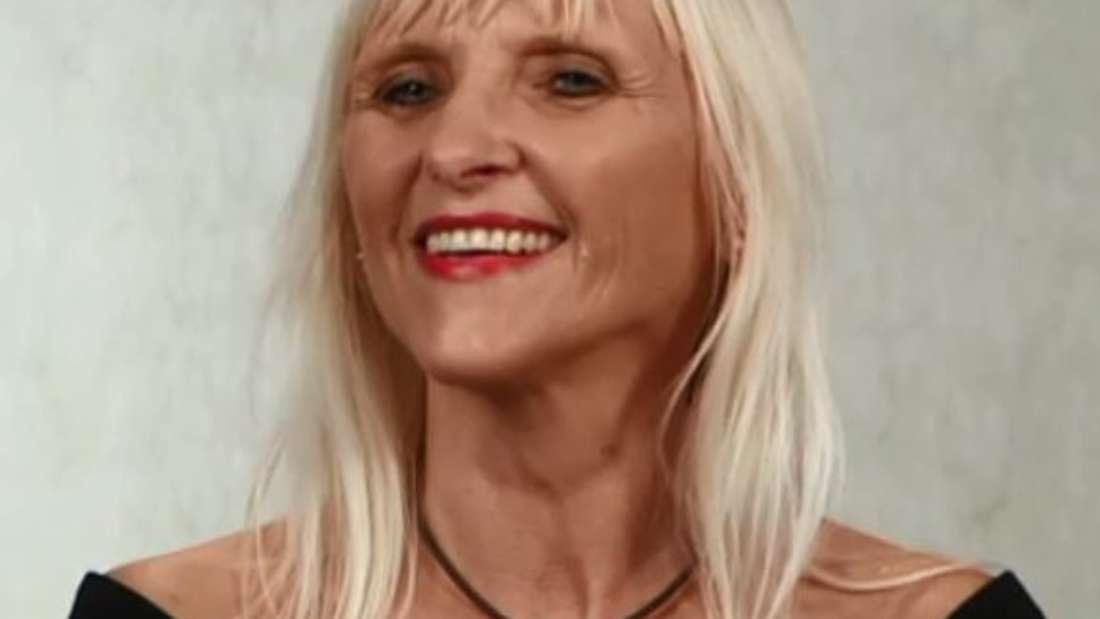 Michaela (50) wünscht sich einen Mann mit graumelierter Frisur an ihrer Seite.