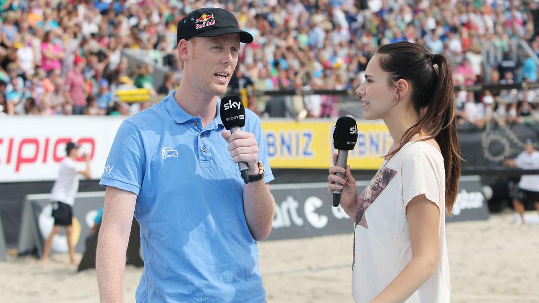 Sky-ModeratorinEsther Sedlaczek heiß im Bikini - Fans rasten aus
