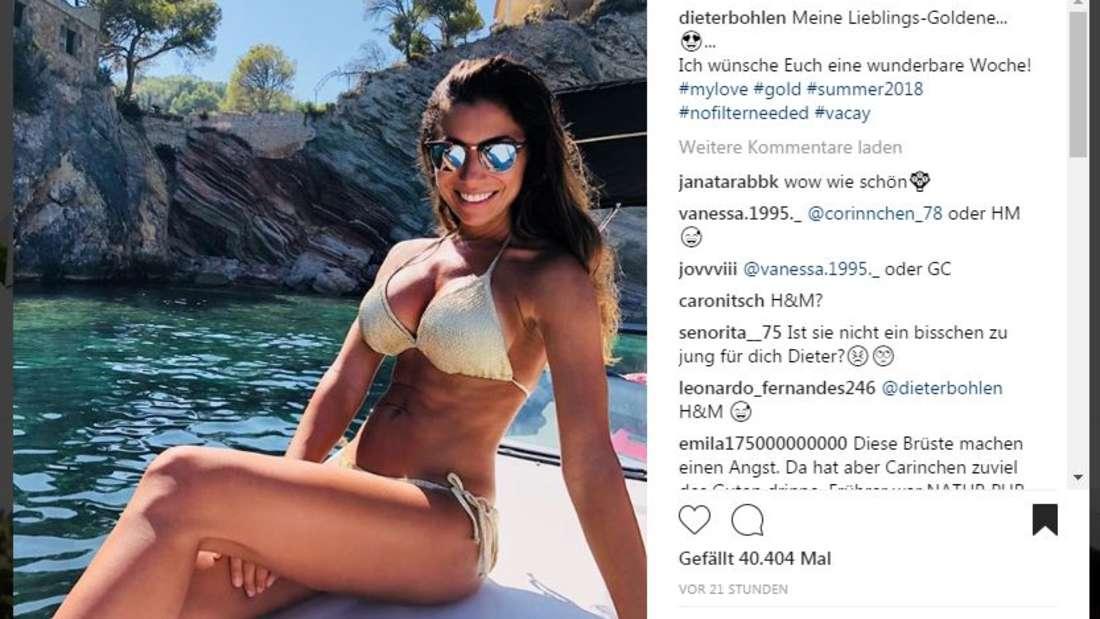 Die Freundin von Dieter Bohlen, Carina Walz, zeigt sich im goldenen Bikini bei Instagram.