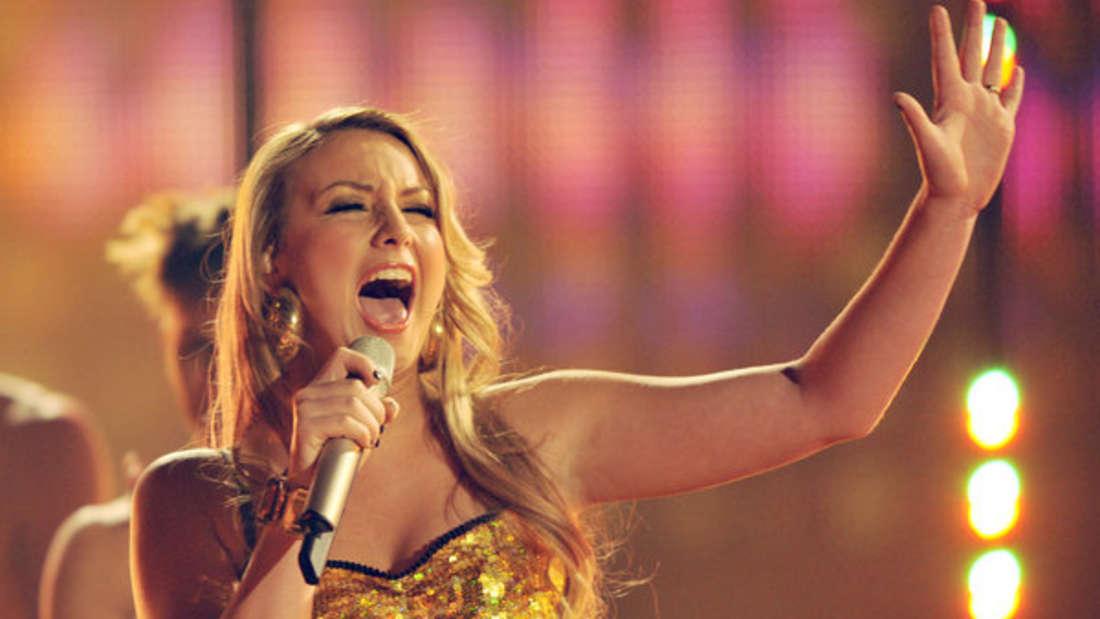 """Anna-Carina Woitschack bei """"Deutschland sucht den Superstar"""" (DSDS) im Jahr 2011."""