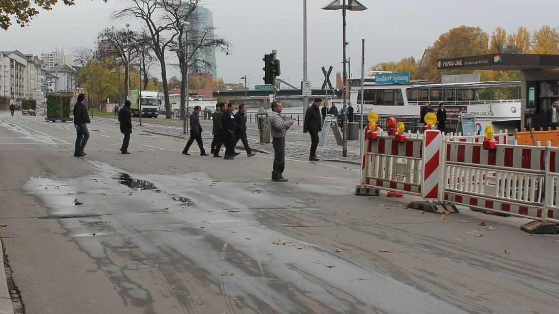 Der gesperrte Mainkai in Frankfurt