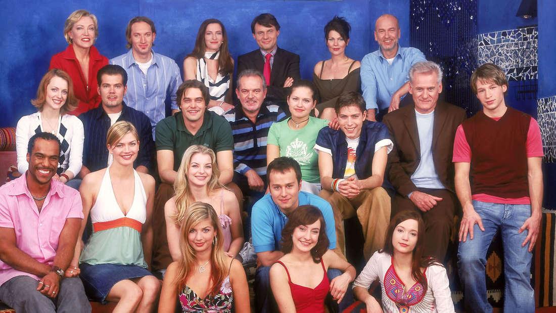 Na, wer kennt sie noch alle? Dieses Foto entstand anlässlich der 3000. GZSZ-Folge im Jahr 2004.