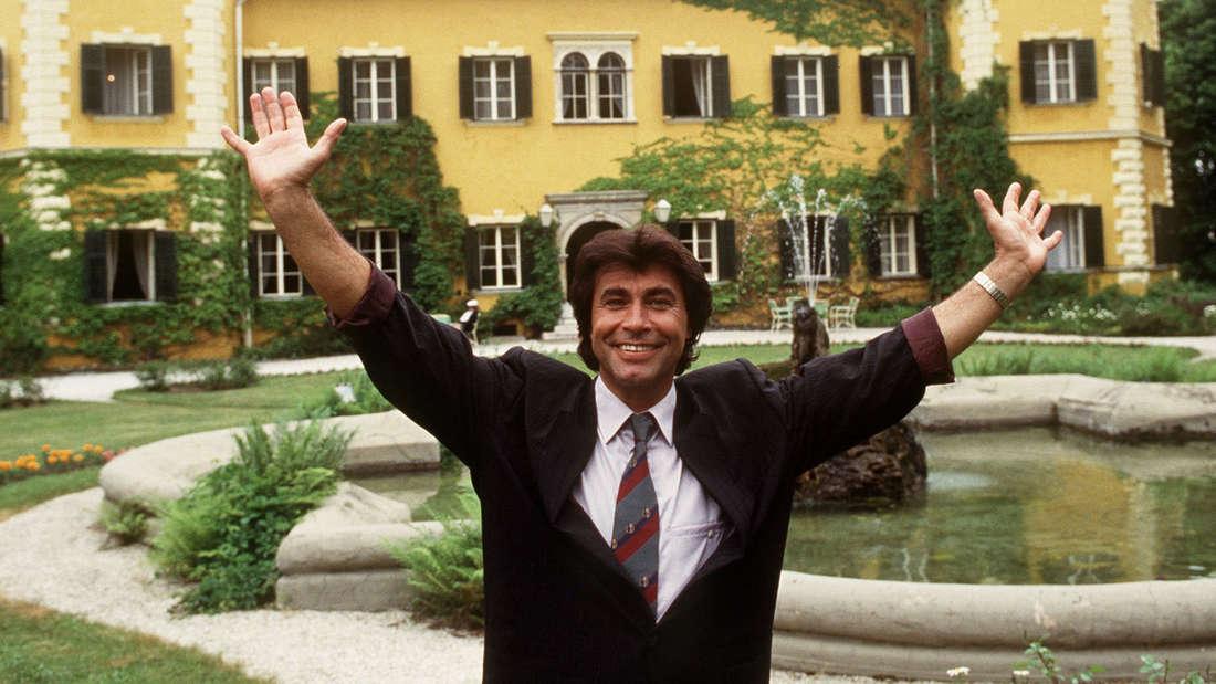 """Roy Black und sein """"Schloss am Wörthersee"""". Das Bild ist von 1990."""