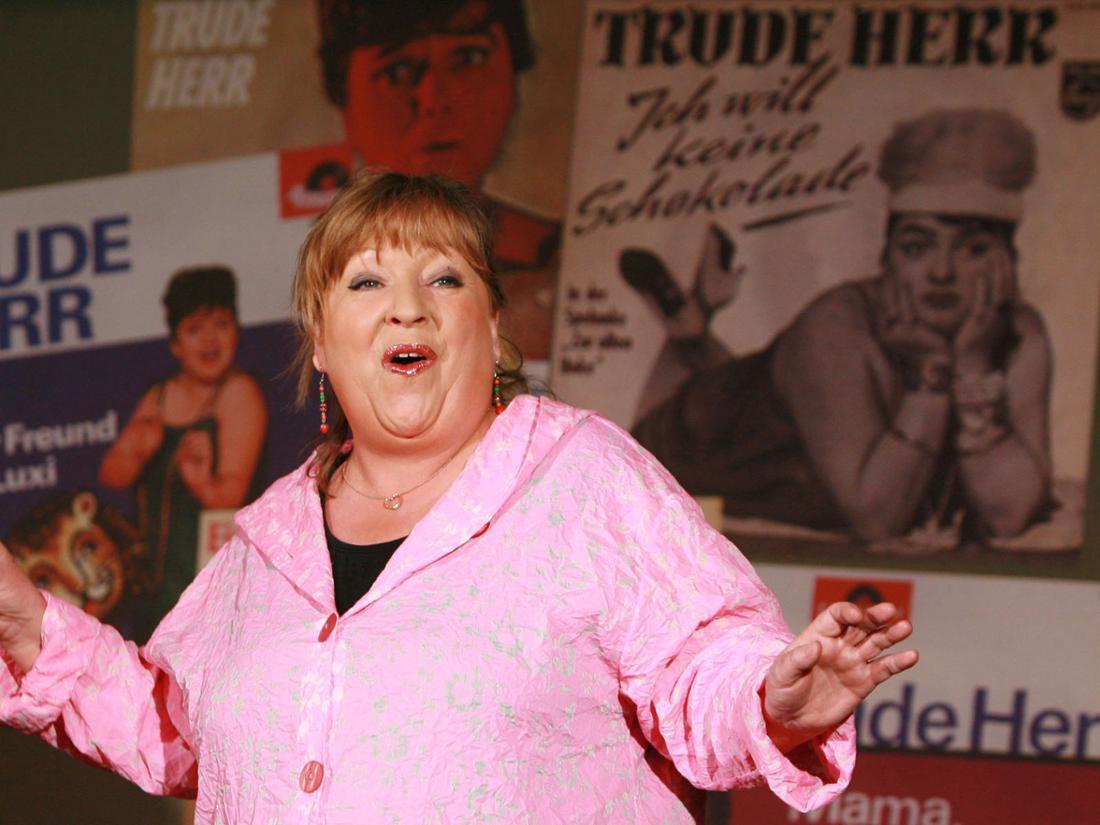 Trude Herr war so beliebt, dass es bis heute Tribute-Shows gibt. Hier die DarstellerinAngelika Mann.