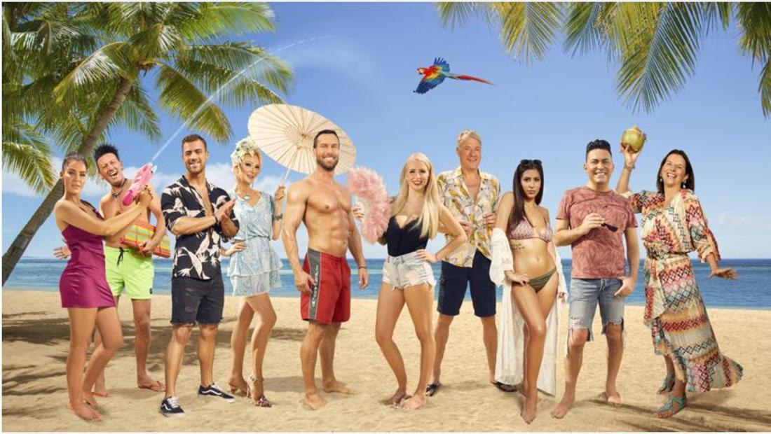 """Das sind die zehn prominenten Kandidaten der Sendung """"Promis unter Palmen""""."""