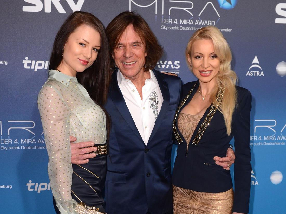 Jürgen Drews mit Tochter Joelina und Ehefrau Ramona (rechts).