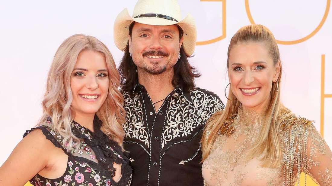 Stefanie Hertel (rechts) mit Mann Lanny und Tochter Johanna.