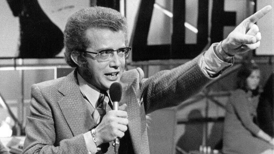 """Dieter Thomas Heck moderierte von 1969 bis 1984 die """"ZDF-Hitparade"""". Die Aufnahme stammt aus dem Jahr 1970."""