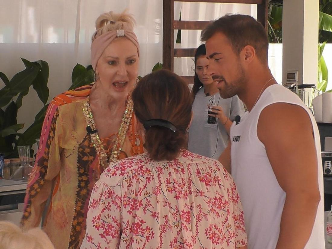 Promis unter Palmen - Claudia Obert im Streitgespräch mit Bastian Yotta und Desiree Nick