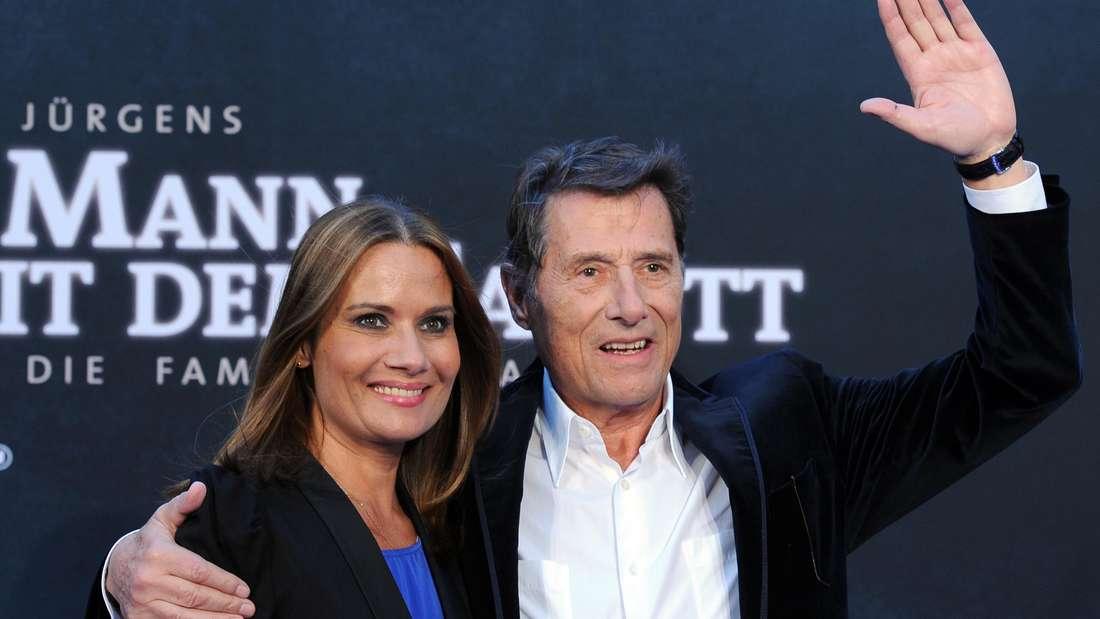 """Udo Jürgens mit seiner Tochter Jenny Jürgens auf der Premiere des Films """"Der Mann mit dem Fagott"""" 14.09.2011 im Cinestar im Sony Center in Berlin."""