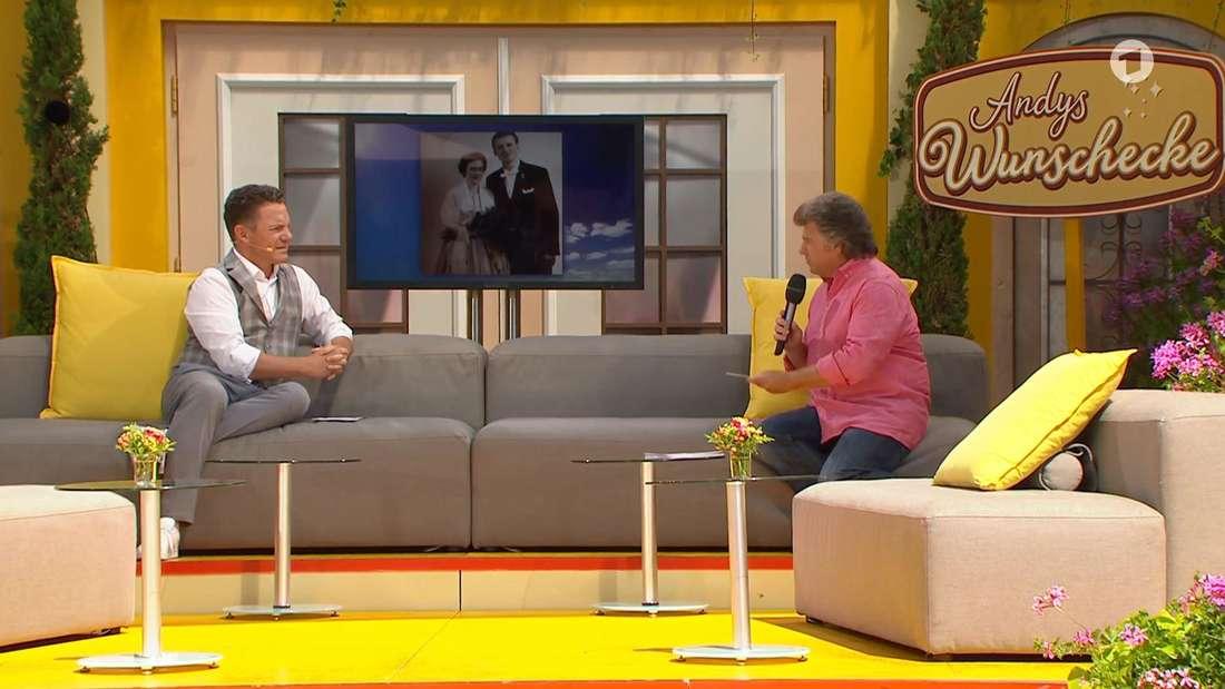 """Immer wieder sonntags""-Moderator Stefan Mross (links) und Schlagerstar Andy Borg."