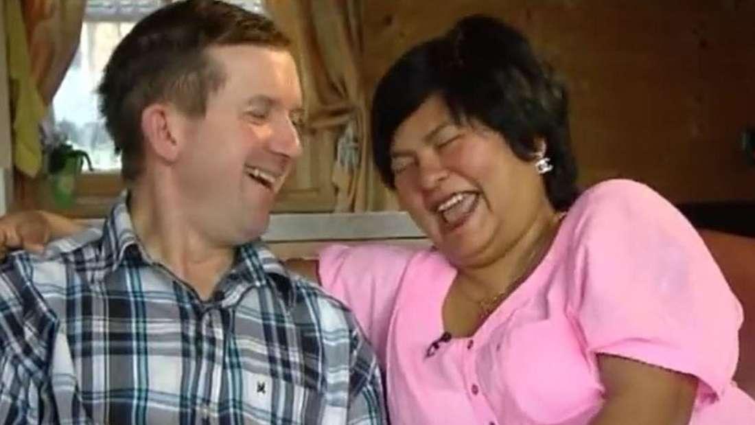 """Die """"Bauer sucht Frau""""-Stars Narumol und Josef freuen sich über den Familienzuwachs"""