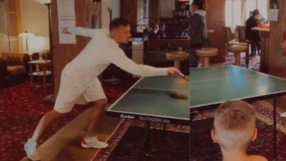 Ramon Roselly und Julian Büscher beim Tischtennisspielen, Alessio schaut zu (Fotomontage)