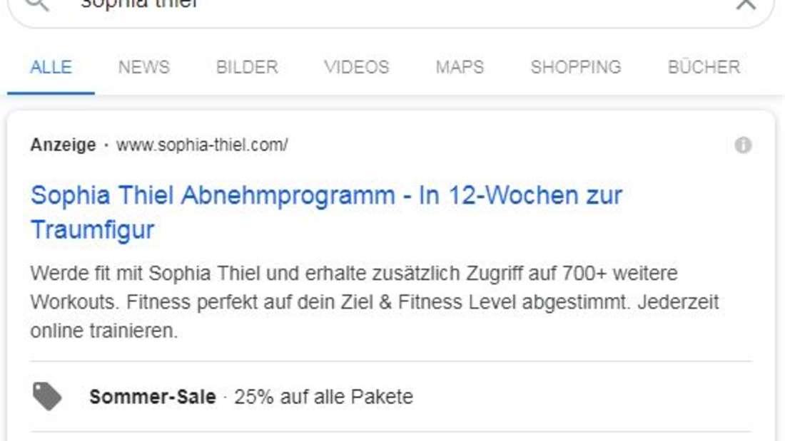 Sophia Thiels Abnehmprogramm erscheint bei Google immer noch ganz oben. Heißt: Sophia Thiel schaltet immer noch ihre Anzeige und zahlt Geld, damit Fans ihr Programm abonnieren.