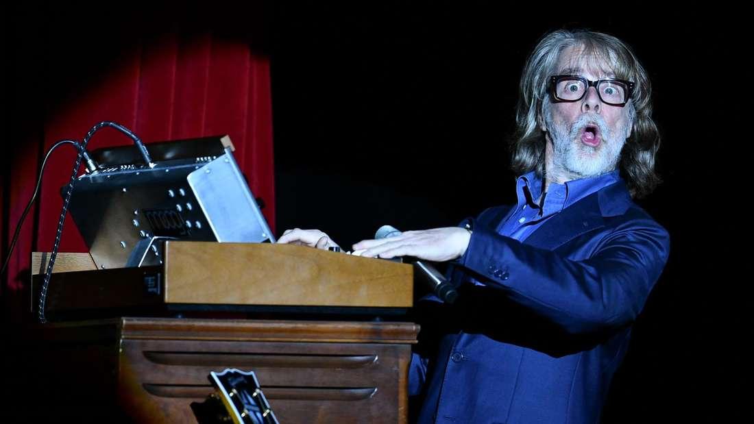 Helge Schneider am Klavier