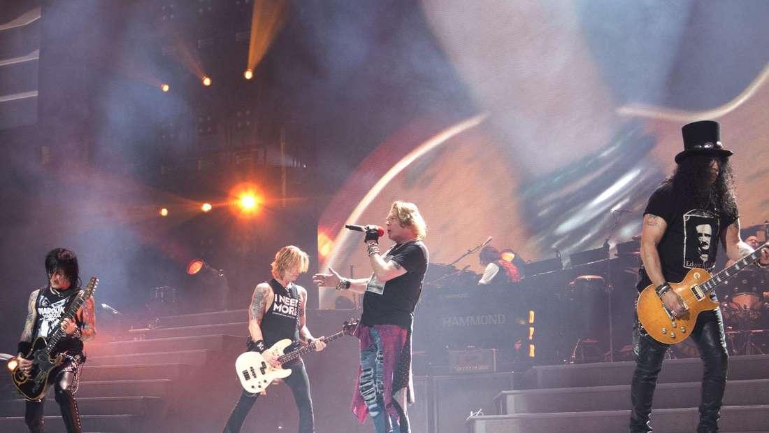 """""""Guns N' Roses"""" rocken auf der Bühne"""