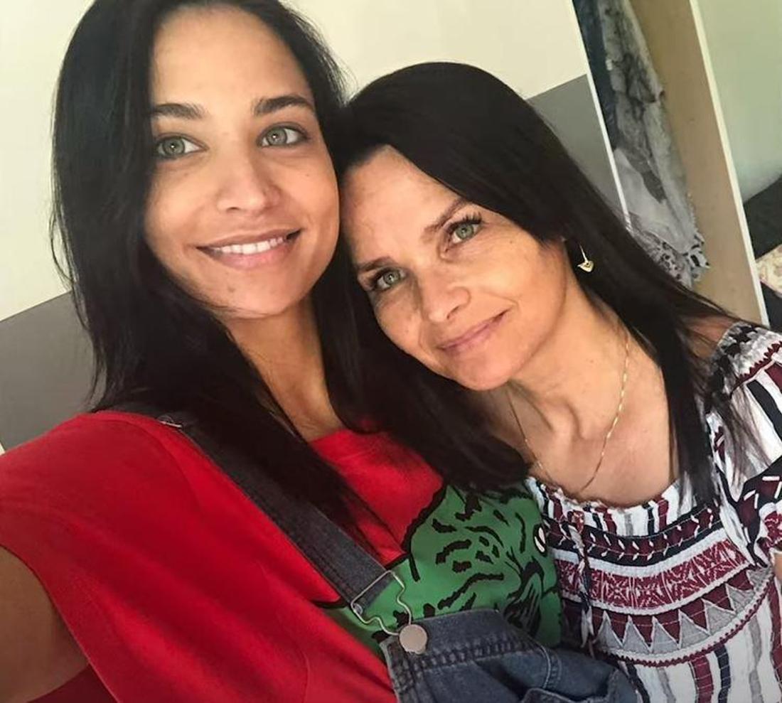 Amira Pocher und ihre Mutter Mirjam sehen sich zum Verwechseln ähnlich.