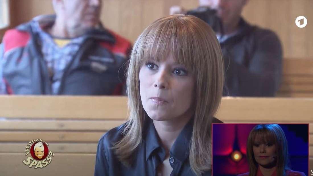 """Francine Jordis im 2019 in der Zahnradbahn der Schynige Platte in der Schweiz. Die Schlagersängerin wird von """"Verstehen Sie Spaß"""" reingelegt"""