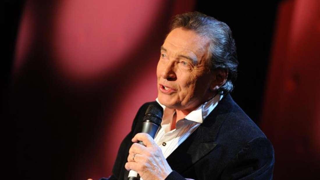 Bekannt war Karel Gott als «die goldene Stimme aus Prag» und «Sinatra des Ostens». Foto: Angelika Warmuth/dpa