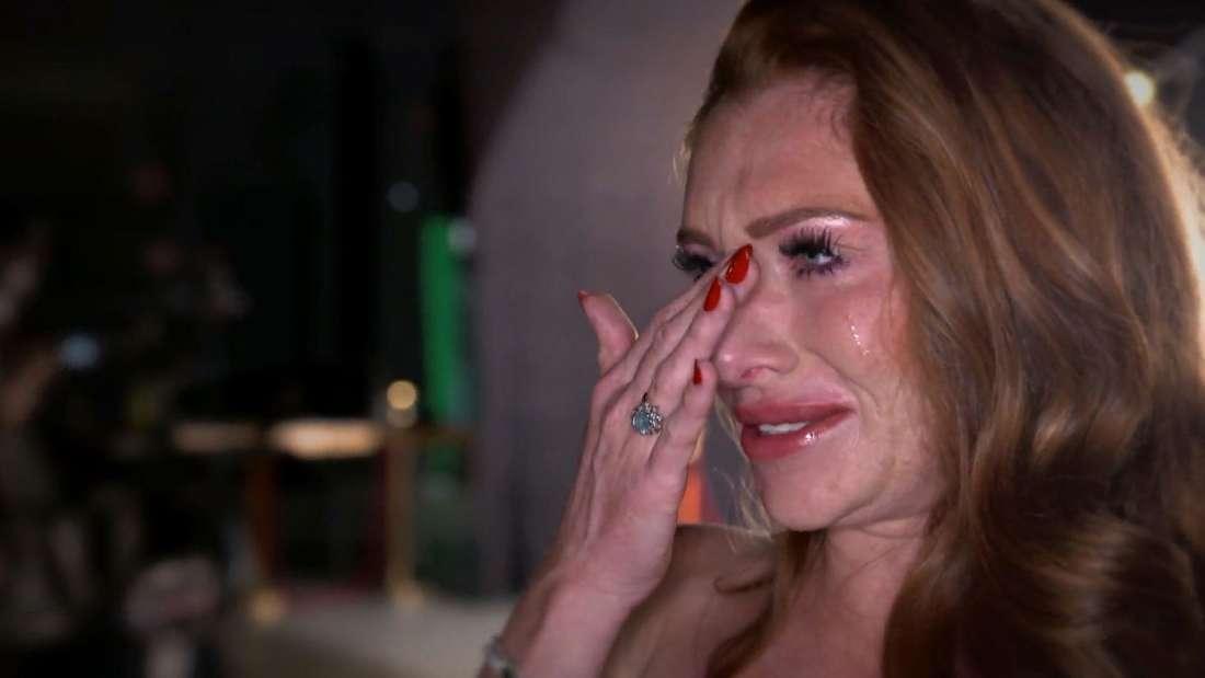 Georgina Fleur bricht vor laufender Kamera in Tränen aus