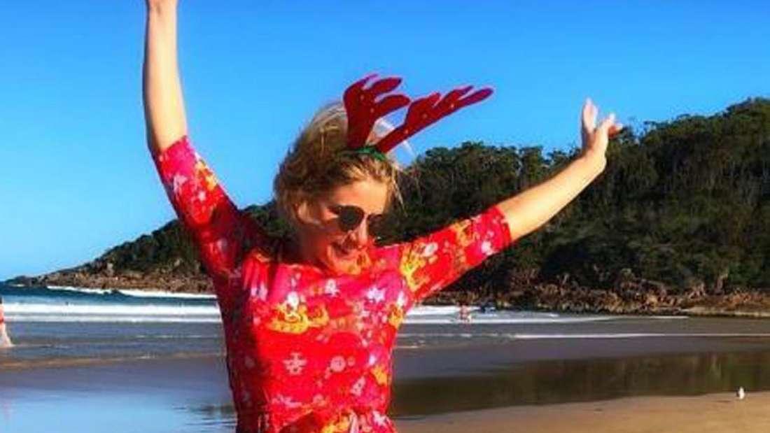 Beatrice Egli hüpft am australischen Strand
