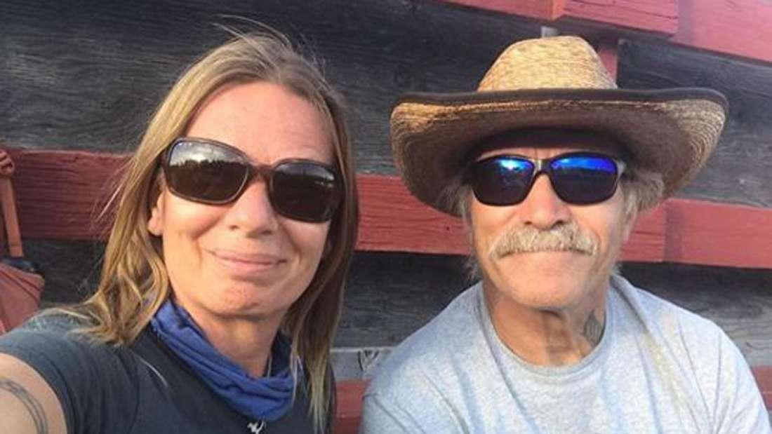 Manuela und Konny Reimann machen ein Selfie von sich