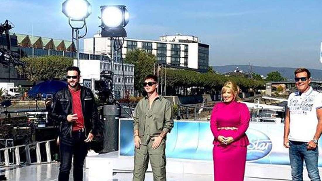 Michael Wendler, Mike Singer,  Maite Kelly und Dieter Bohlen stehen auf dem DSDS Casting Schiff von RTL