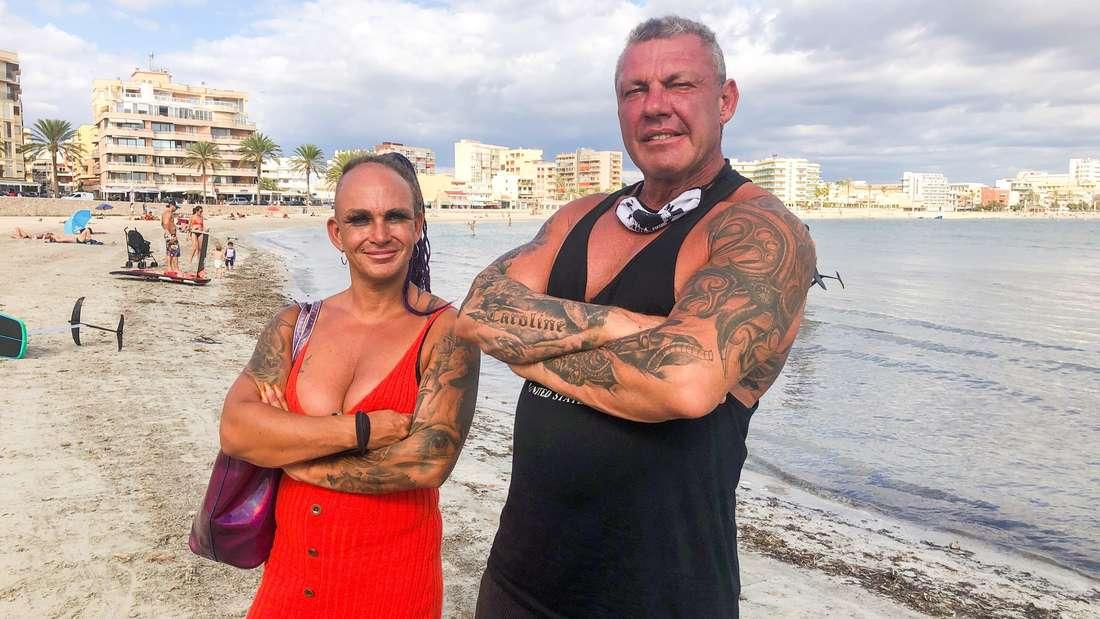 Caro und Andreas Robens am Strand.