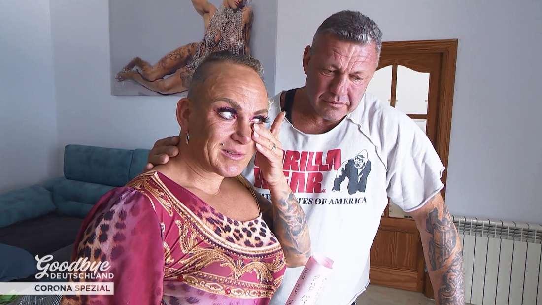 Caro Robens ist zu Tränen gerührt von dem Liebesbrief ihres Mannes Andreas Robens