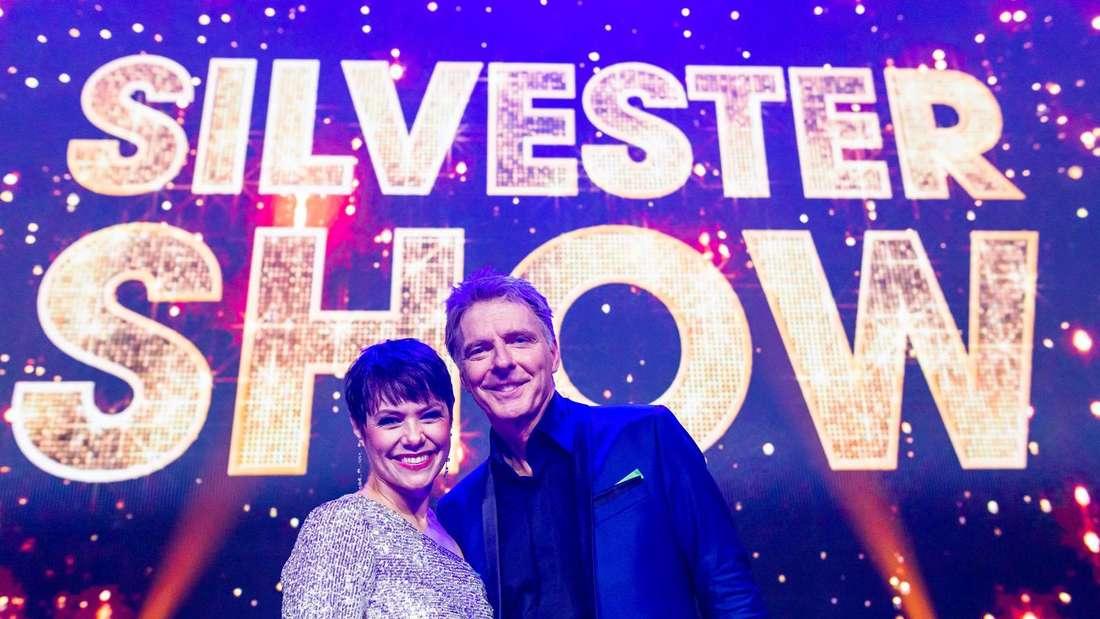 Francine Jordi und Jörg Pilawa auf der Bühne der Silvestershow
