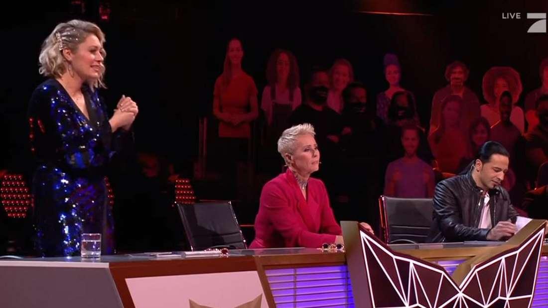 """Ruth Moschner steht vom """"The Masked Singer""""-Tisch auf"""