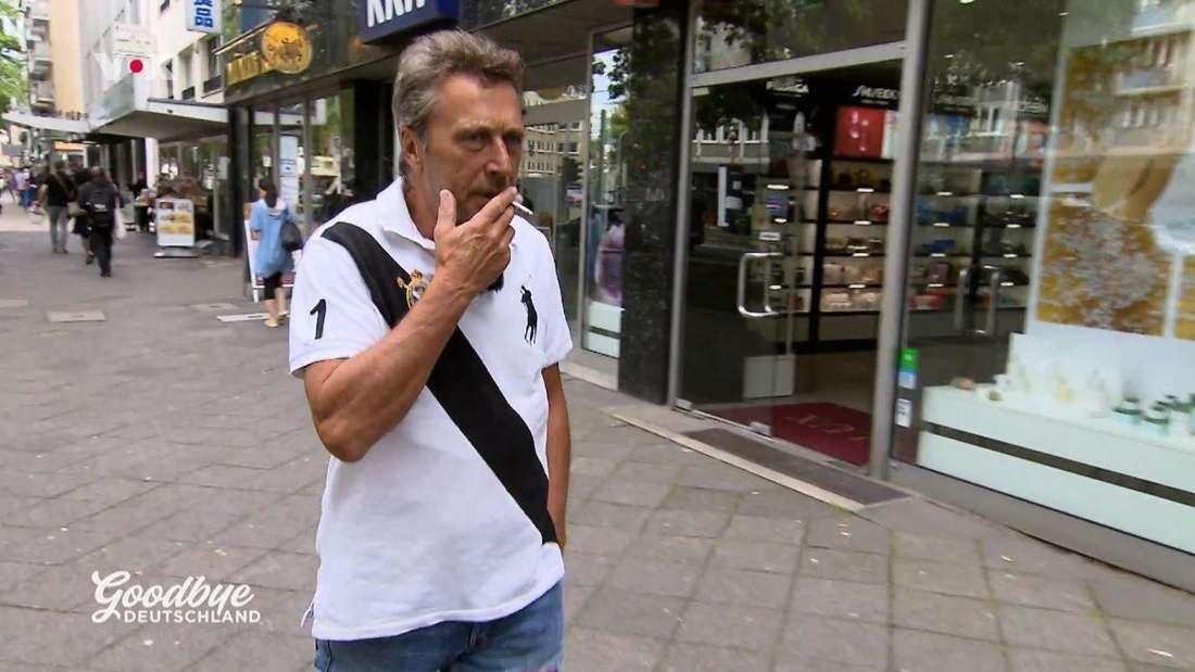 """""""Goodbye Deutschland"""": Frank Knöttgen kann es einfach nicht sein lassen - auf dem Weg zum Hypnotiseur raucht er eine Zigarette"""