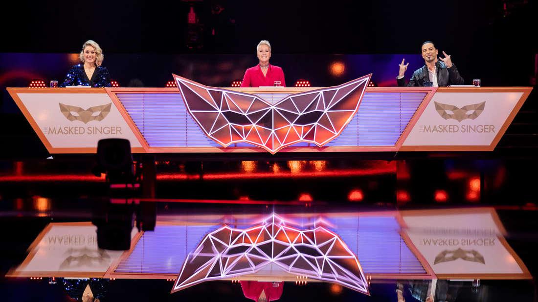 """Ruth Moschner, Bülent Ceylan und Sonja Zietlow sitzten am """"The Masked Singer"""" Tisch"""