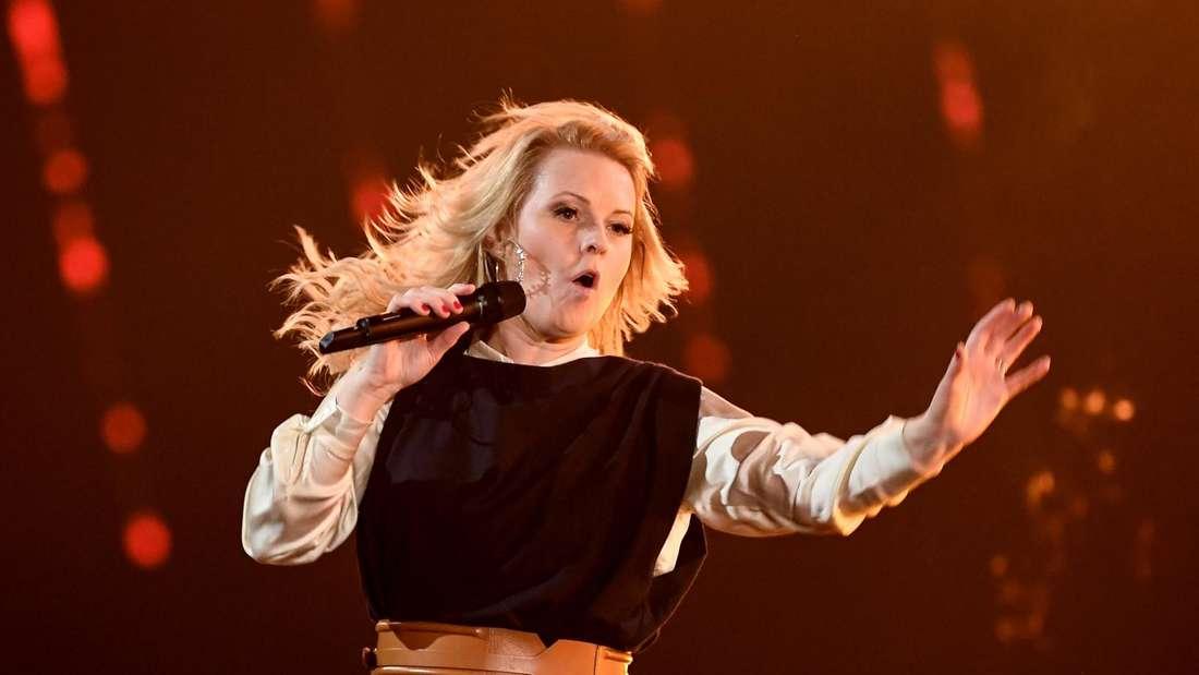 Patricia Kelly singt auf der Bühne