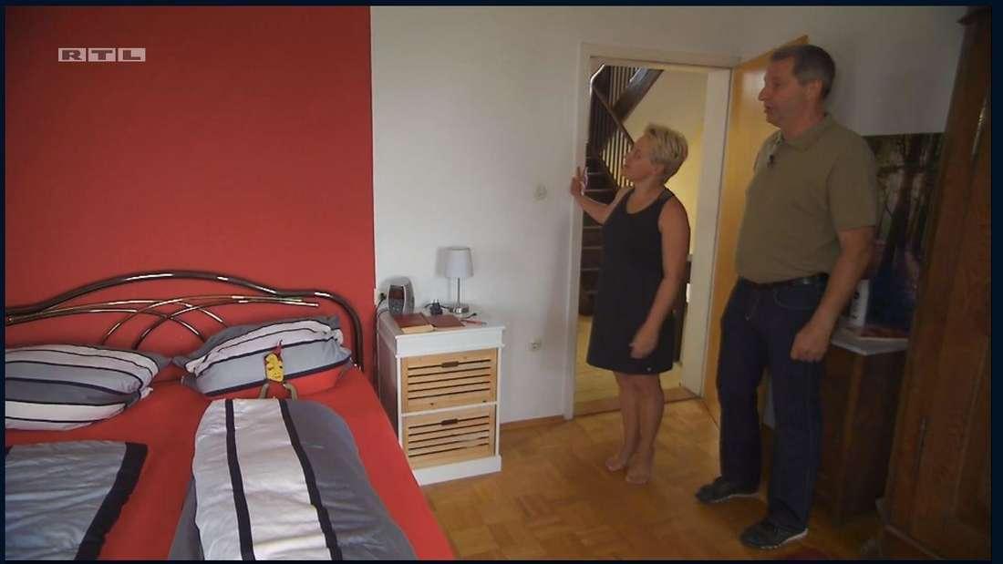 Tatjana läuft bei Bauer Rüdiger ständig auf Zehenspitzen.