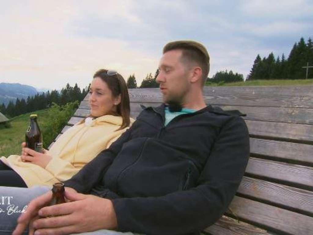 Hochzeit Auf Den Ersten Blick Emily Bricht Wegen Robert In Tranen Aus Lasst Sich Paar Scheiden Tv