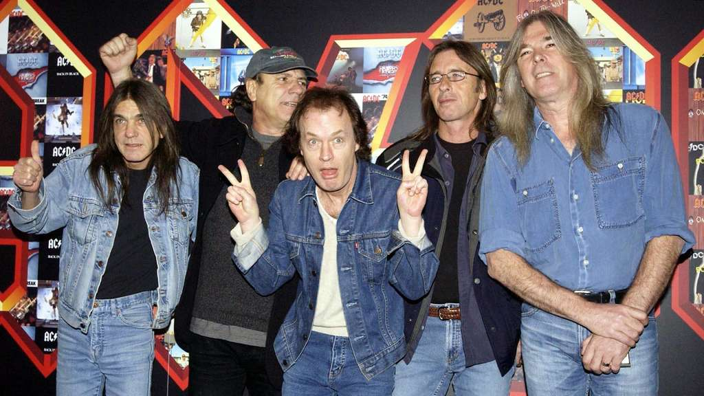 Malcolm Young, Brian Johnson, Angus Young, Phil Rudd und Cliff Williams
