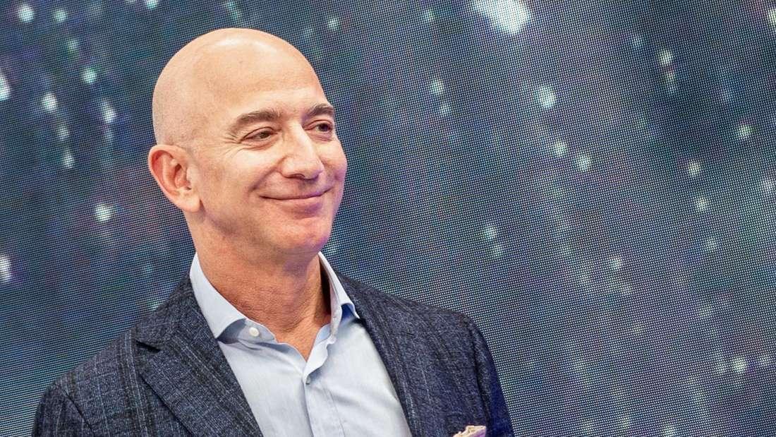 Jeff Bezos, Chef von Amazon, ist am Rande eines Neuheiten-Events des Konzerns zu sehen